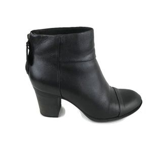 Clarks Ankle Boots Cap Toe Heeled Black 6.5M